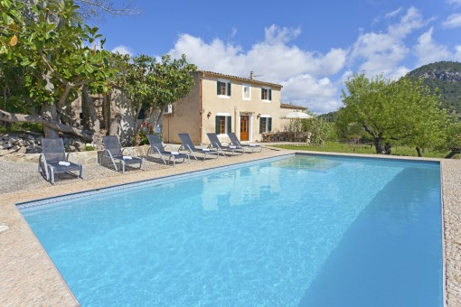 Grand, spacious finca in Pollenca with holiday rental licence and absolute privacy