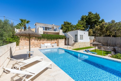 Wonderful chalet in Cala Llombards with...