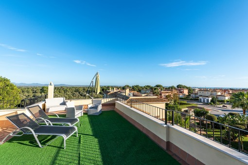 Fantastic penthouse apartment with stunning sea views in Sa Rapita