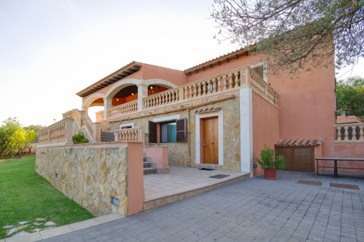Large villa with touristic rental licence and wonderful panoramic views in Bunyola