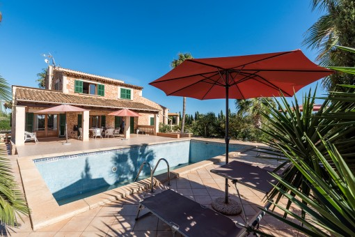 Wonderful natural-stone finca with countryside views near Ses Salines