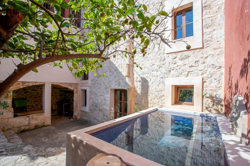 Sleepy village house in Selva with touristic rental licence