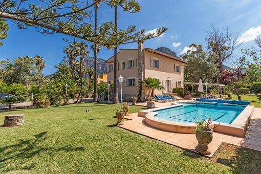 Villa with pool in Valldemossa just steps from the village