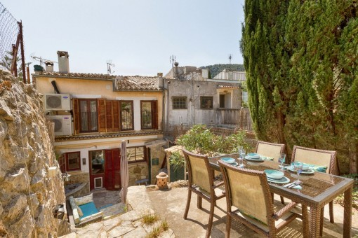 Beautiful, renovated town house with garden in Esporles