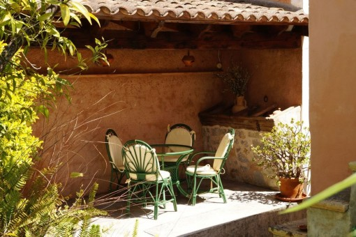 Charming, renovated Mallorcan village house with romantic garden and holiday rental licence in Artà
