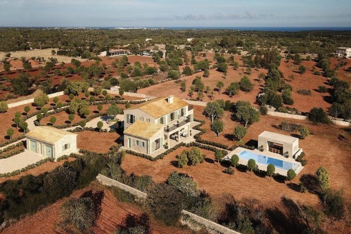 Top class property with pool in excellent location close to Santanyi