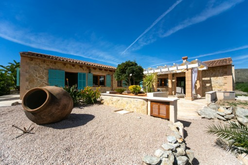 Dream-finca only 600 metres from Capdepera Golf with rental licence and guest house