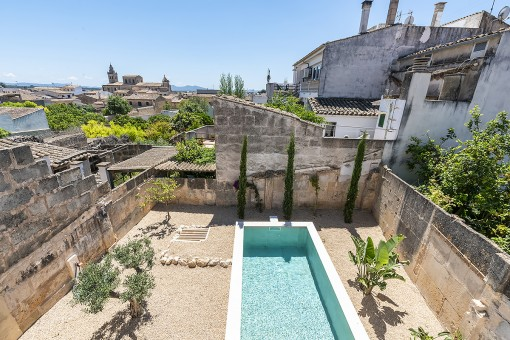 Modern town-house with pool in Porreres