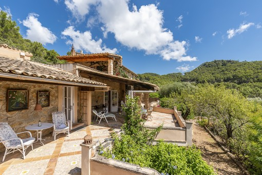 Wonderful finca with enchanting views of...