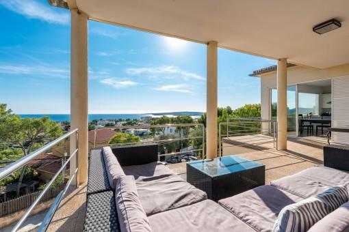 Spectacular villa with breathtaking sea...