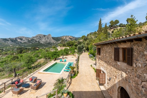 Charming finca with views over the valley...