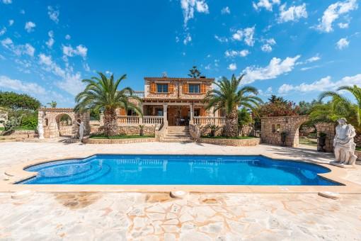 Charming Mediterranean finca with...
